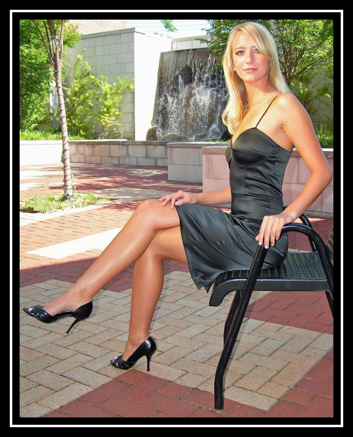 Historical Downtown Gadsden, Alabama Jun 26, 2007 HyPer Photograpy Christina dressed to kill!!