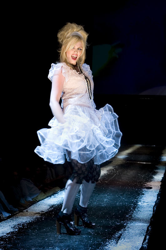 Jun 28, 2007 Lesley Arak, #4948  =] Madonna =]