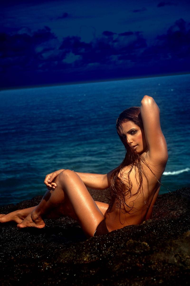 Reunion,Indian Ocean Jul 02, 2007 Sam Dhaliwal Beach Girl 2