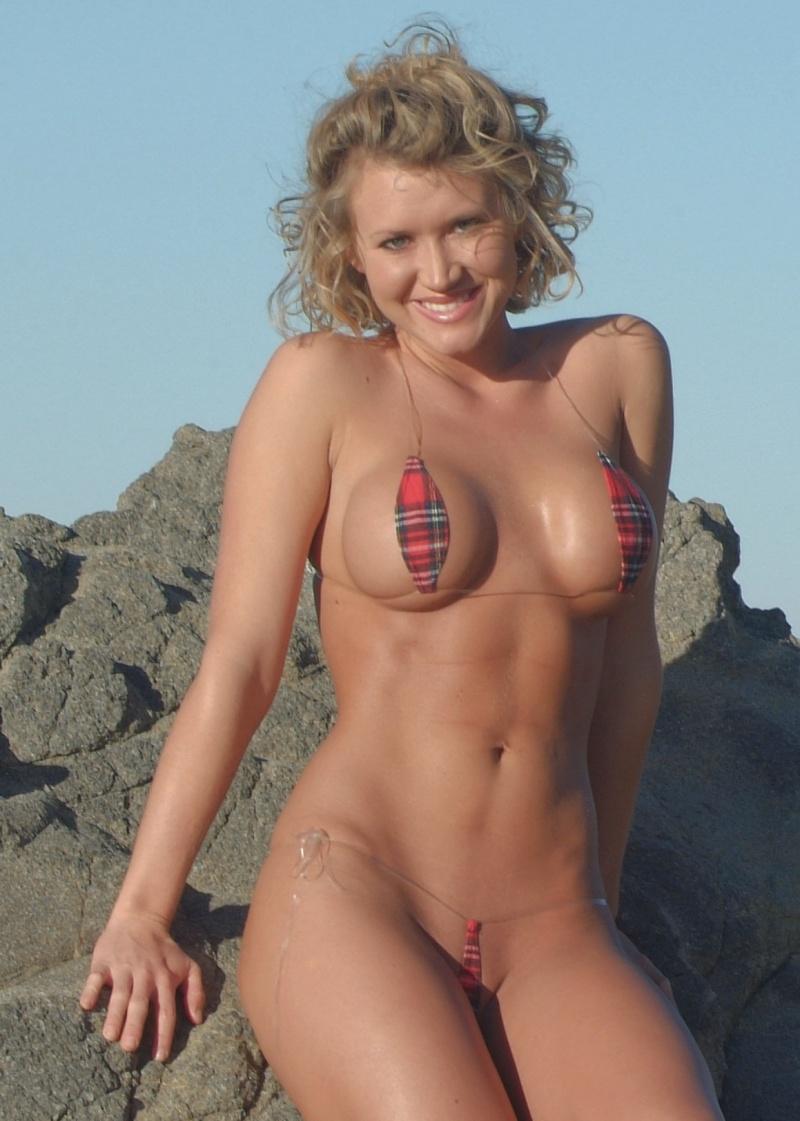 Amanda Nicole Nude download sex pics ragnar amanda nicole on the rocks   nude