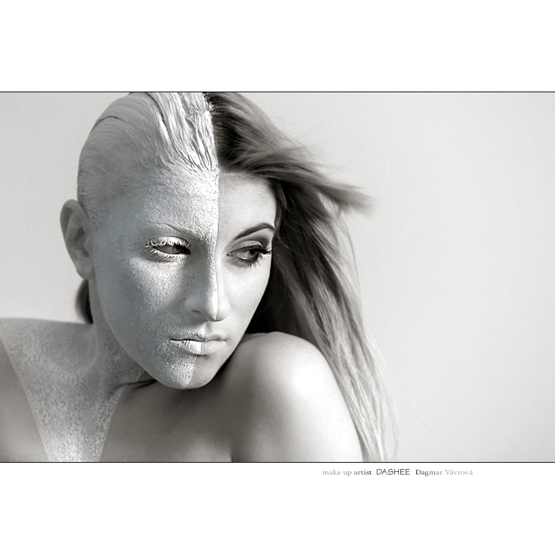 Female model photo shoot of Dashee La Maquilleuse in Prague