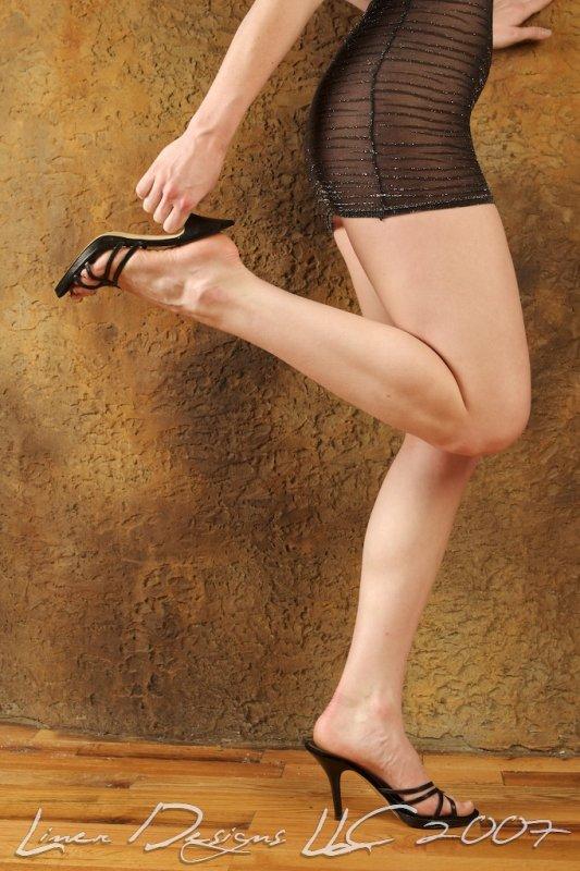 Bdons studio! Jul 15, 2007 Billy Liner- Liners Designs Legs!