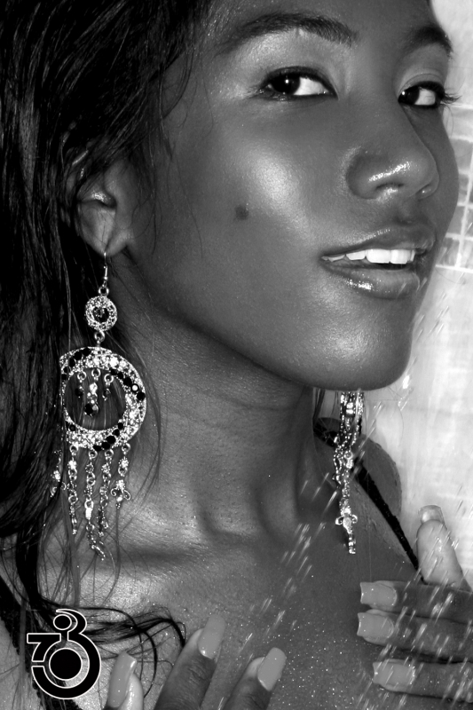 Female model photo shoot of LAbellaBEEE by ROOM703 in Lynwood, CA, makeup by I AM TONI WHITE