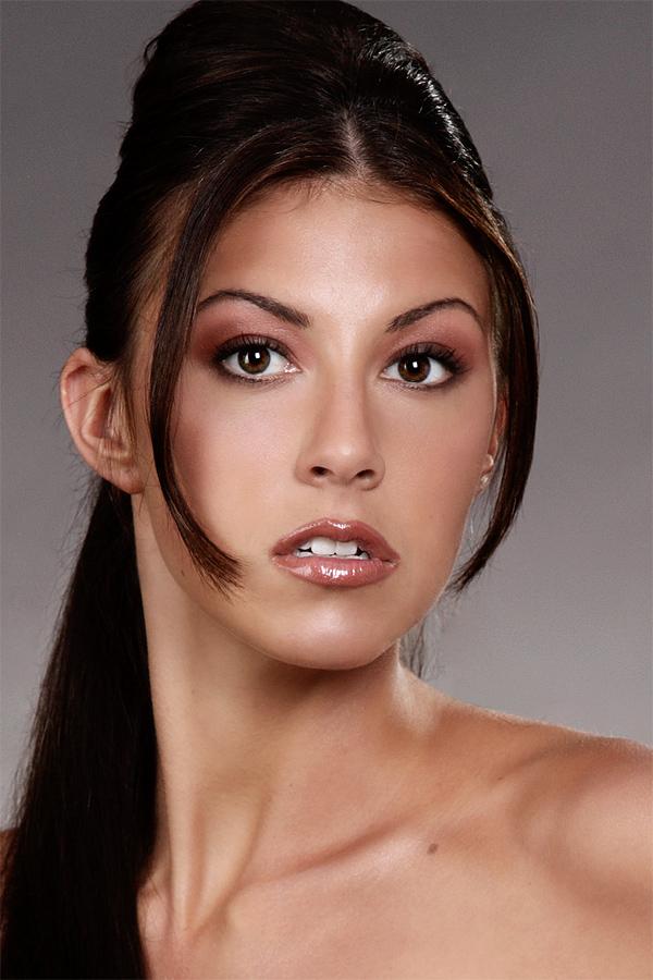 Jul 16, 2007 Volney Powell lip gloss