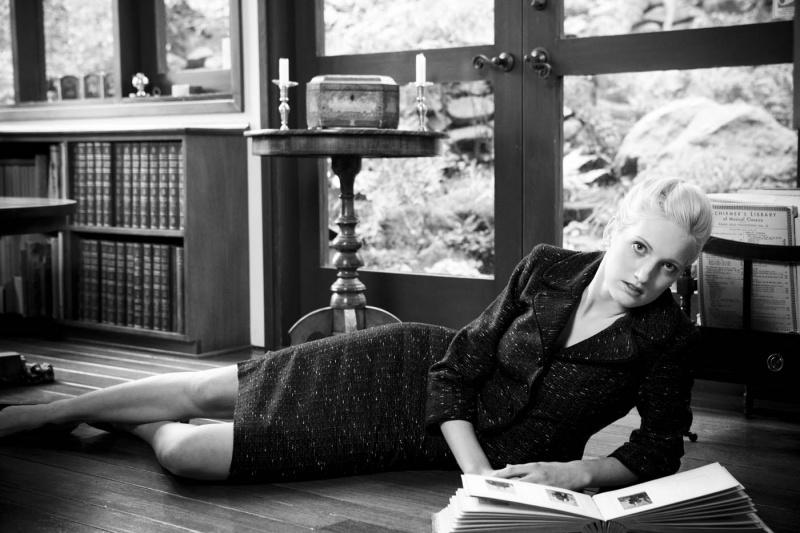 Female model photo shoot of Rebekah Anne
