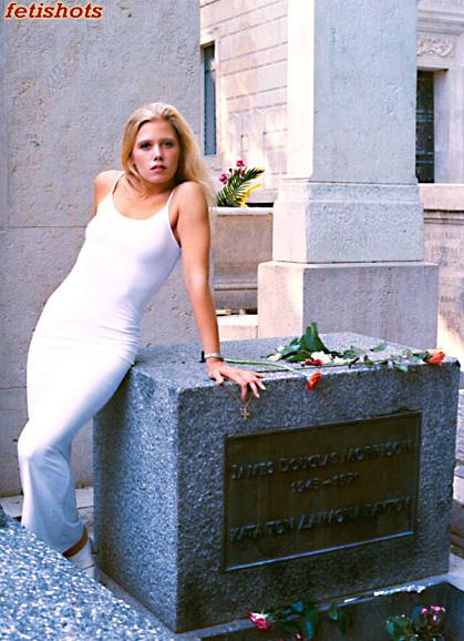Pere Lechaise, Paris Jul 25, 2007 Jim Morrisons grave