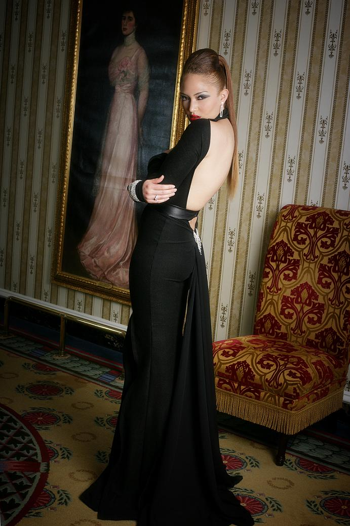 DC - Historical Willard Hotel Jul 26, 2007 KAS Collection Inc./Photogragher - Beverli Alford KAS Collection Inc. (ANTM winner-Naima Mora/ KAS Spokesmodel)