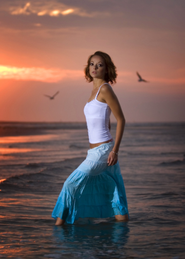 http://photos.modelmayhem.com/photos/070728/11/46ab711baf3ae.jpg