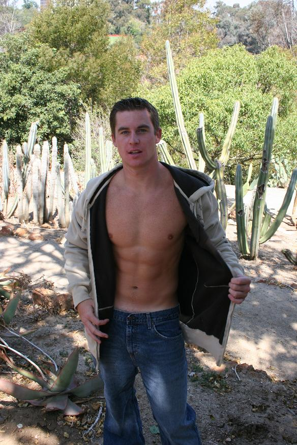 Male model photo shoot of J32theonly by Roblen