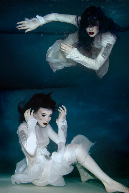 Underwater Aug 15, 2007 ByteStudio Loreleis Distress