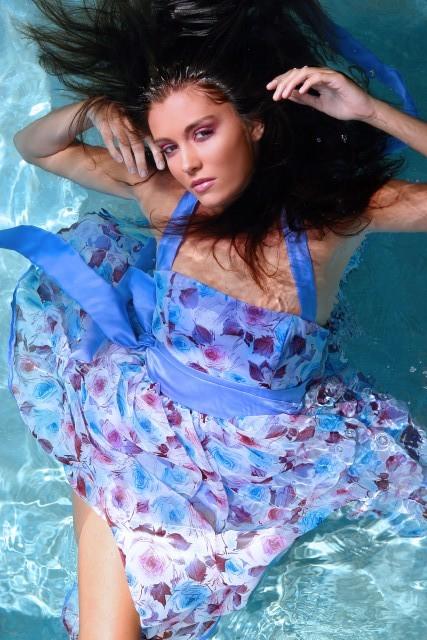 Aug 18, 2007 Derek Blanks/Make by Toni/Ms. Maria Designs Im floating!