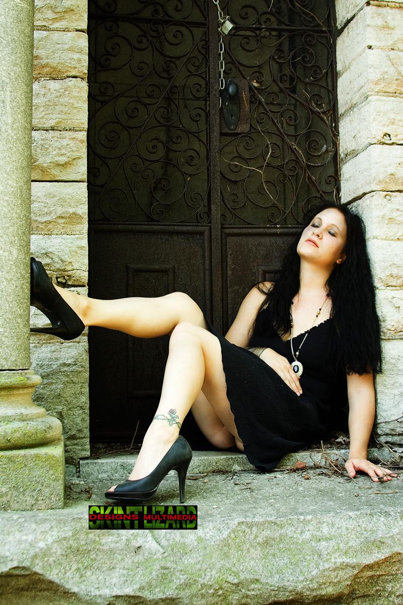 Female model photo shoot of Sinn by visual mirage in Nashville