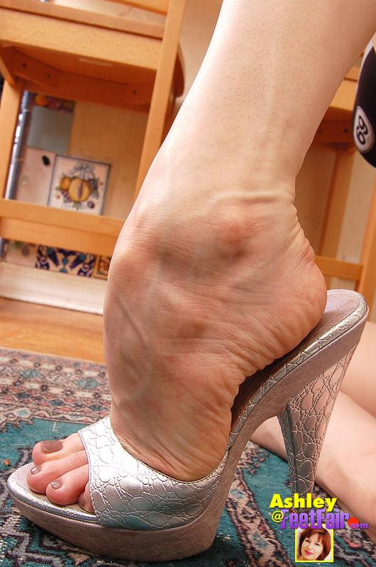New York City Aug 20, 2007 FeetFair.com Ashley
