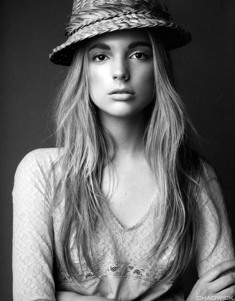 Female model photo shoot of Chrystal_Copland