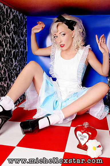 Aug 23, 2007 michellexstar.com Frankie in Wonderland. Hair/Mua by me! for VersatileFashions.com!