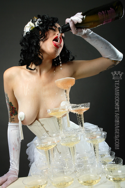 nyc Sep 04, 2007 2007 teamrockstarimages dandy amber marie enjoying some champagne