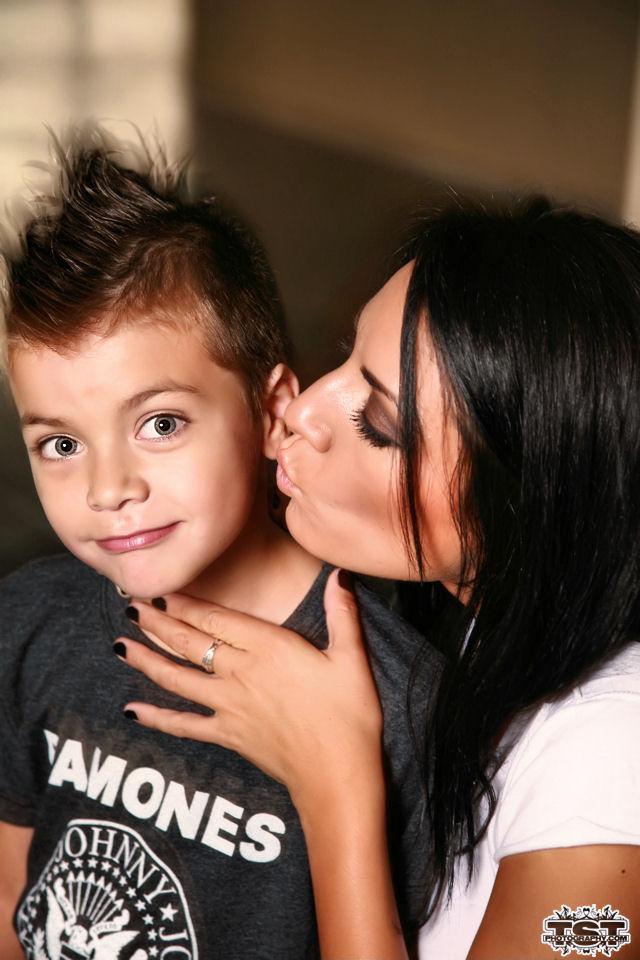 Sep 06, 2007 © TSTphotography.com Cilicia (Mom) & Jeffery (Son)