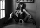 https://photos.modelmayhem.com/photos/070906/19/46e09a0762438_m.jpg