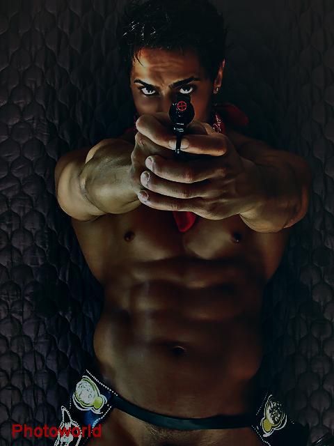 Male model photo shoot of Mun Dhariwal
