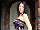 http://photos.modelmayhem.com/photos/070911/11/46e6c79836e9a_m.jpg