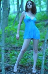 http://photos.modelmayhem.com/photos/070912/17/46e868931b2bf_m.jpg