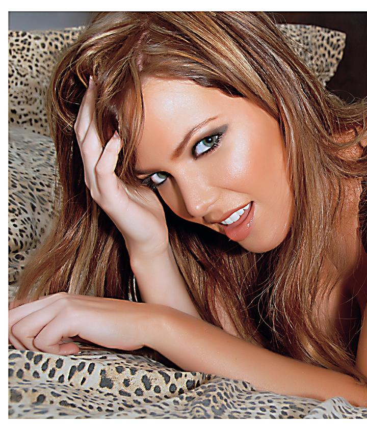 South Beach Sep 17, 2007 Eduardo Garcia Photography®. 2007 Chantelle Oxley