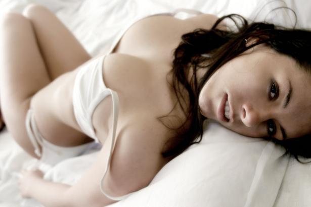 Female model photo shoot of TaraLenihan