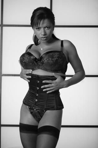 Female model photo shoot of FemDigital Photography