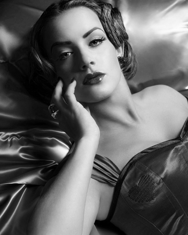 Vondracek Studio Oct 04, 2007 Stuart Carter 1930-40s style shoot!! Wardrobe by Meschantes Designs..amazing people :)