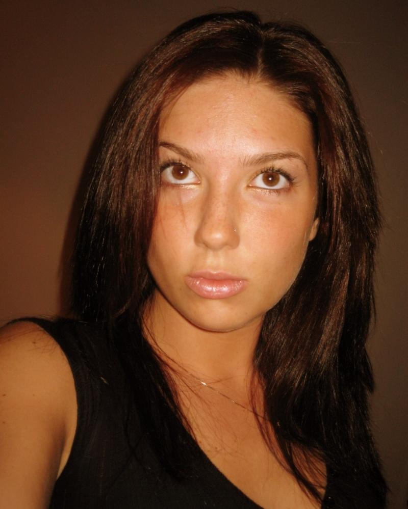 Female model photo shoot of dee27