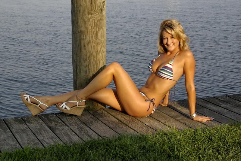 Tidewater Marina, Havre de Grace, MD Oct 10, 2007 Leo Heppner, 2007 Noreaster Magazine Swimsuit Model Calendar 2008