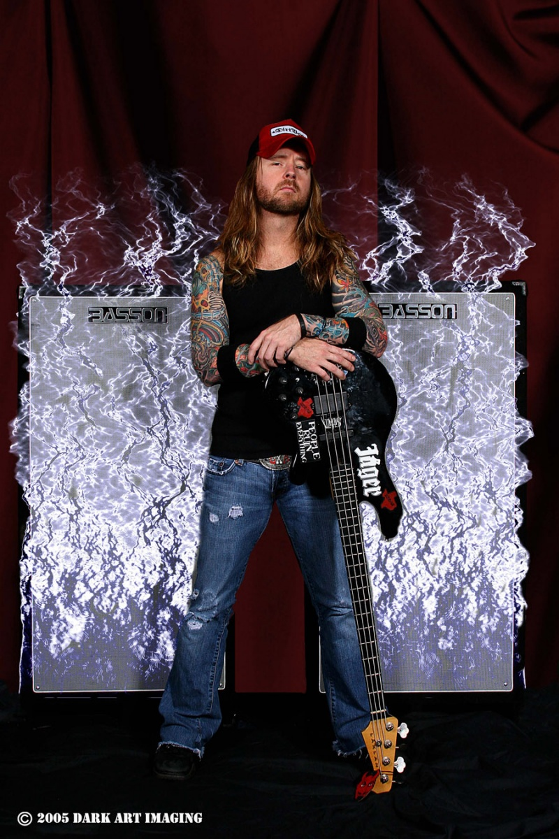 Dallas, TX. Oct 13, 2007 © 2005 DArk Art Imaging Stevie of Drowning Pool - Basson Endorsment Shoot