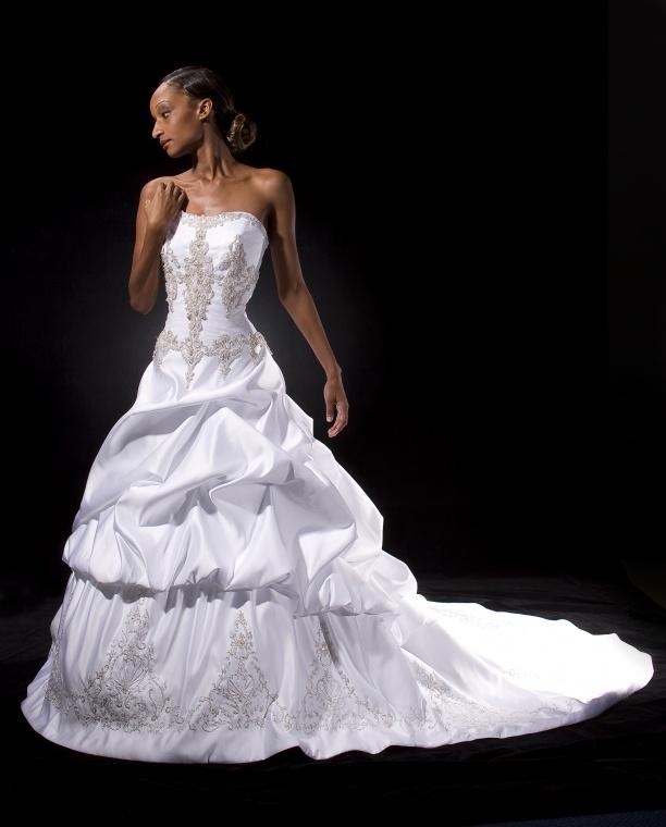 Dallas, Texas Oct 13, 2007 Bridal Designs 2007 Catalog