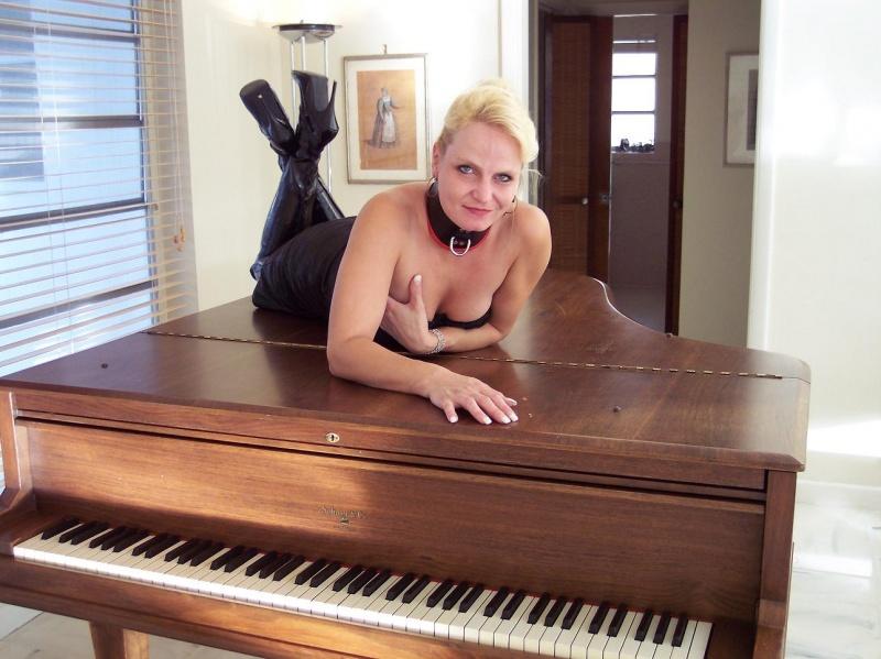 Female model photo shoot of Sybil182 in Sept 27 2007 , Miami , Florida