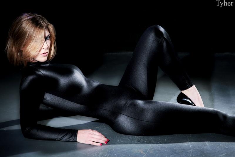 Oct 17, 2007 Tyher Bond Girl