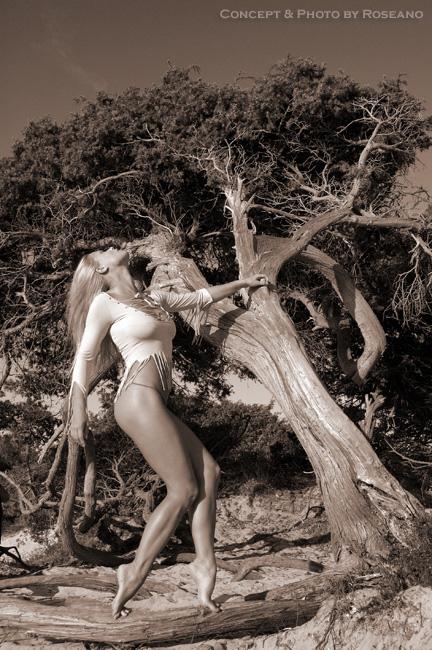 Alghero - Italy Oct 19, 2007 Roberto Roseano Young Girl, Old Tree