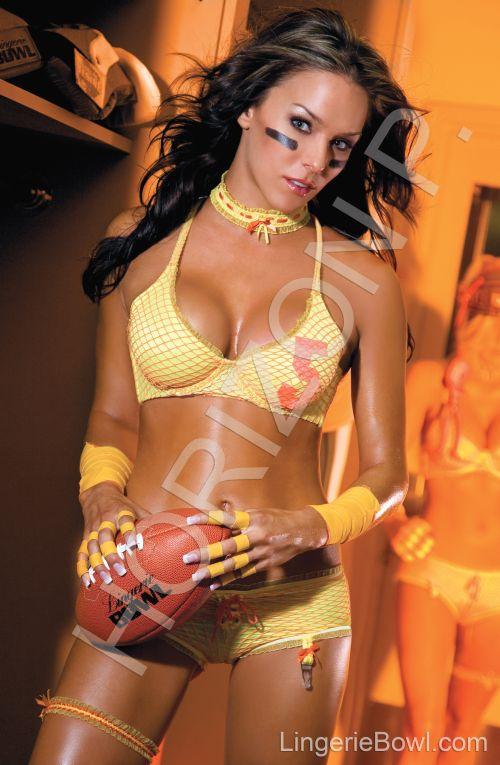 LA Oct 25, 2007 HORIZON PRODUCTIONS LINGERIE BOWL 08 CALENDER- Model Shannon Noel