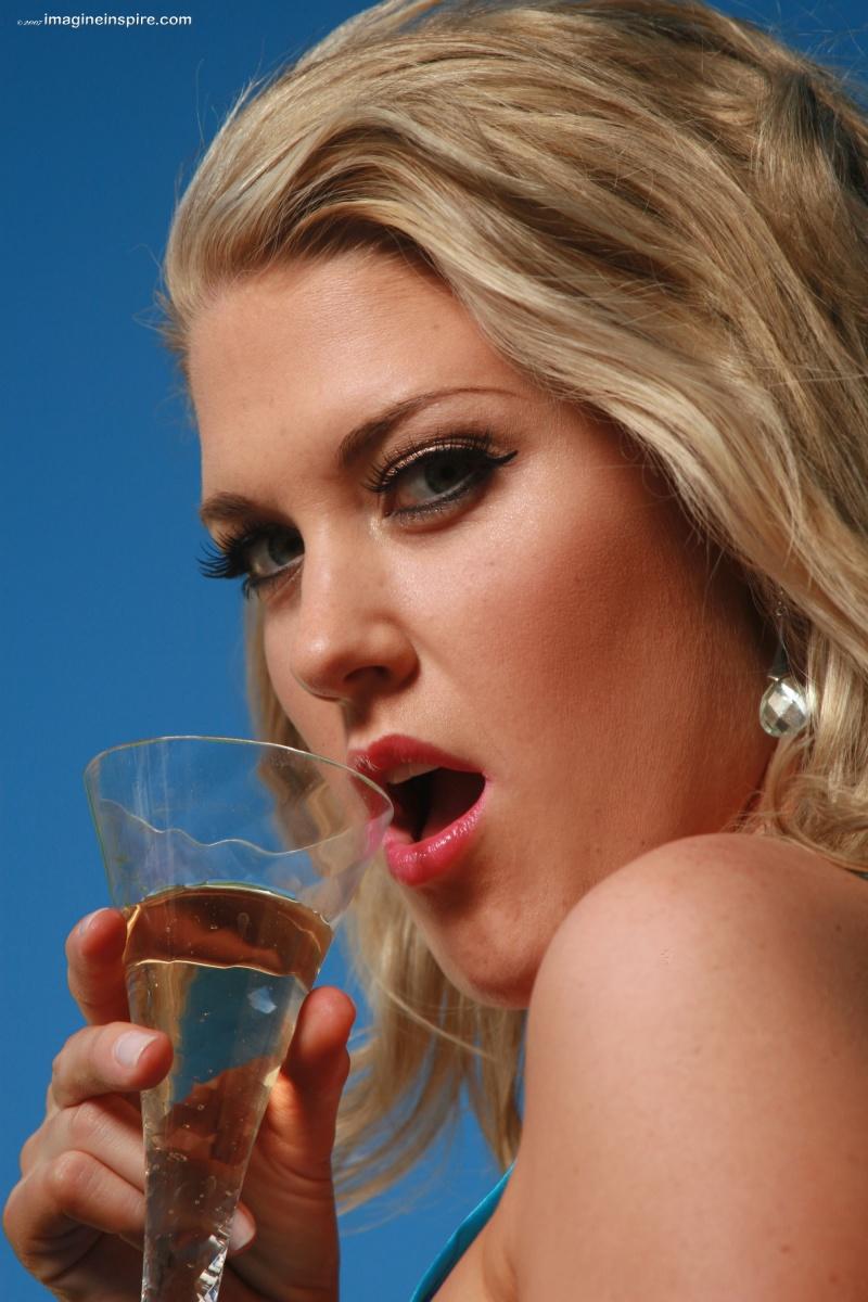 Scottsdale, AZ Oct 28, 2007 Imagineinspire Sipping Champagne