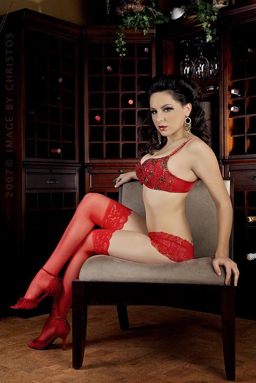 Nov 06, 2007 Lady in Red