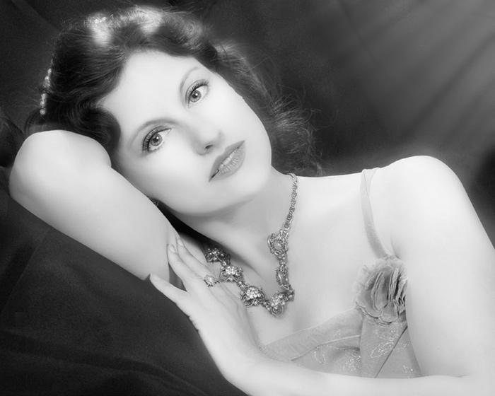 NY Nov 12, 2007 TMA Photo and Retouch Bonita.... MM 250735....As Rita Hayworth