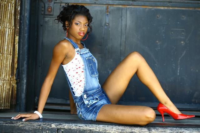 Female model photo shoot of Loreal Jones in Louisville, KY