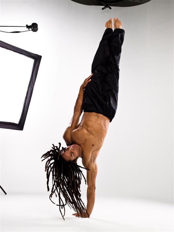 Lake Mary, FL Nov 13, 2007 Digital Juice A Capoeira move called Torre (Tower)