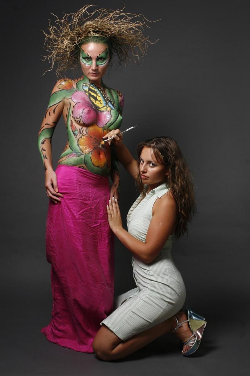 Nov 15, 2007 Body art in progress 2