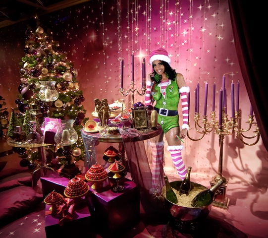 Nov 16, 2007 Airbrushed Elf Costume - Christmas Shoot