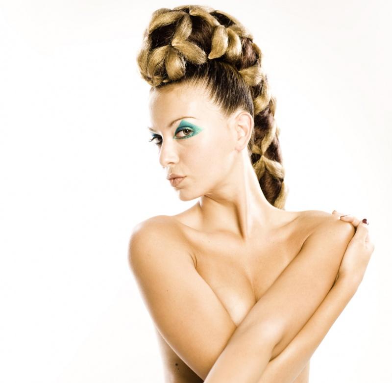 Female model photo shoot of Laura Viana da Silva