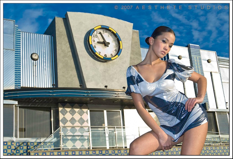 NJ, USA Nov 25, 2007 © 2007_ A E S T H E T E _ S T U D I O S Curve and Shimmer // Styling & Hair by model