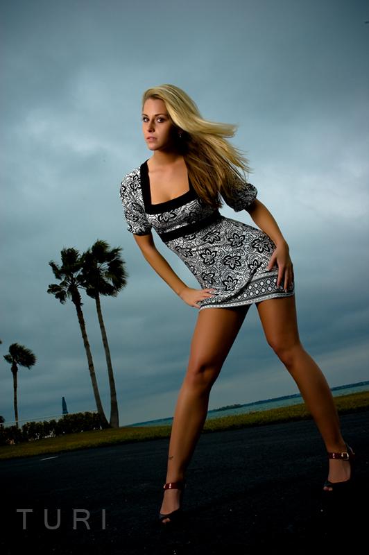 Female model photo shoot of Miss Rachel Lynn