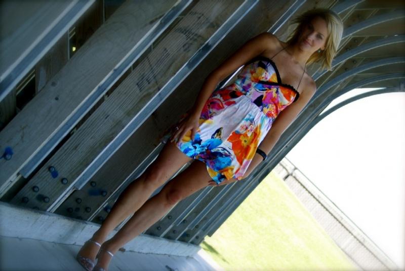 Female model photo shoot of Belinda Smith