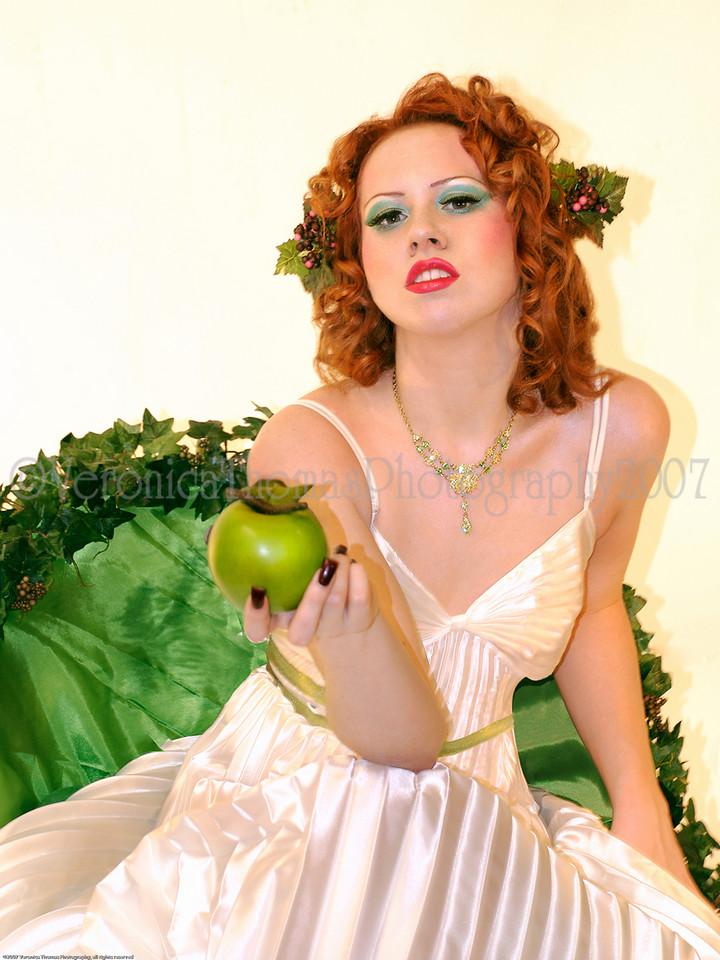 Hoboken, NJ Dec 16, 2007 Veronica Thomas Jolis Apple