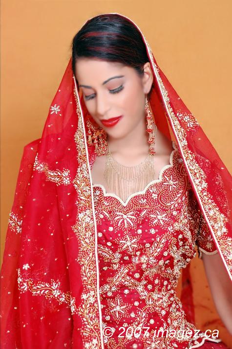 Dec 26, 2007 Imagez Photography Here comes the bride!